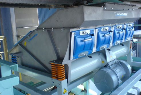 Fertilizer is separated with a Mogensen G2014 Screener